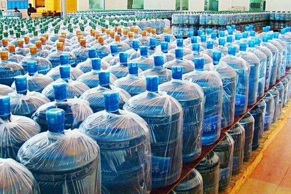 我们天天喝的桶装纯净水