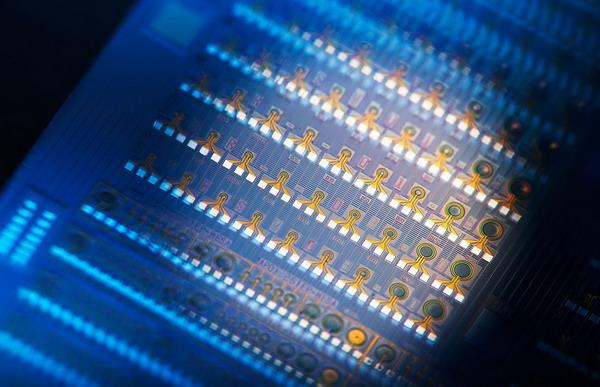 绿能线切割拿下晶片切割专利证书图片
